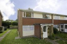 2 bedroom Flat to rent in Moat Court, Ashtead