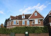 2 bedroom Flat to rent in Hill Rise Court...