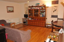 Flat in Aylmer Road, London, E11