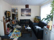 Flat to rent in Fladgate Road, London...