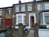1 bed Studio apartment in Grange Park Road, London...