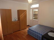 Ground Flat to rent in Guernsey Road, London...
