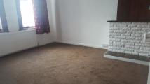 Ground Flat to rent in Valentines Road, Ilford...