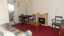 Ground Flat to rent in Vicarage Road, London...