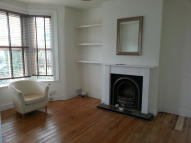 Ground Flat to rent in Murchison Road, London...