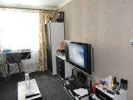 1 bedroom Ground Flat in Holly Road, London, E11