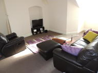 1 bed Flat to rent in Bulwer Road, London, E11