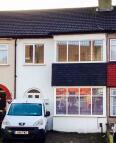 3 bed Terraced home in Heath Park Road, Romford...
