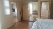 Studio flat to rent in Bushwood, London, E11