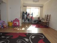 End of Terrace home to rent in Heathside Close, Ilford...