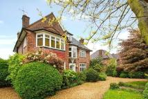 6 bedroom Detached home for sale in Farm Avenue...