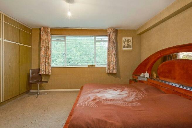 Bedroom alternate vi