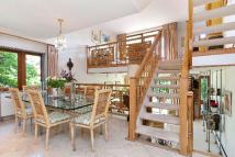 3 bed End of Terrace property for sale in West Hill Park, Highgate