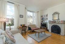 Apartment in Huddleston Road...