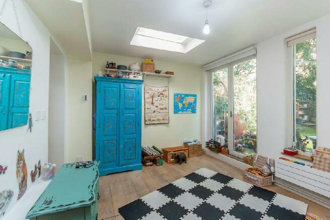 Bedroom/Reception 2