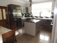 5 bed semi detached house in Primrose Lane...