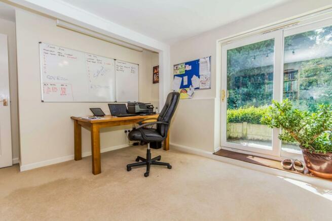 Bedroom 5/ office