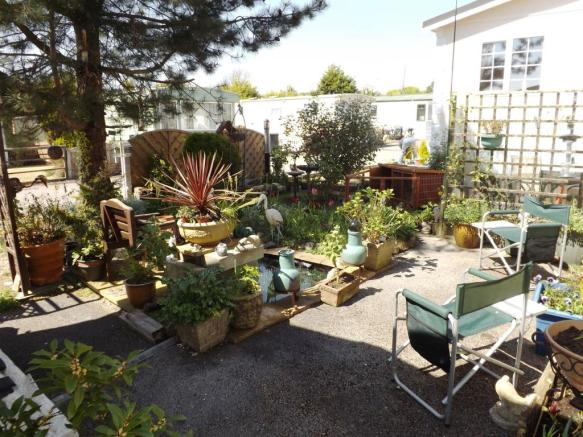 Rear Garden with Pon