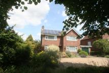 4 bed Detached house in Church Road...