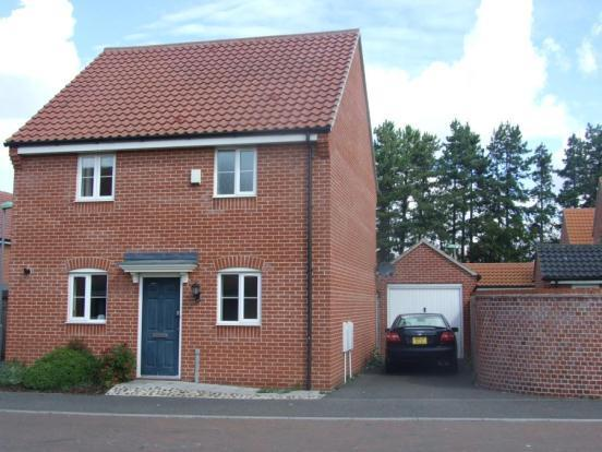3 Bedroom Detached House For Sale In Cherry Court Red