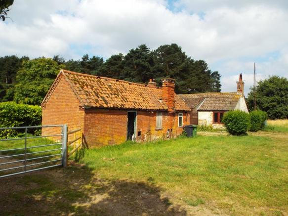 Outbuilding and Fron