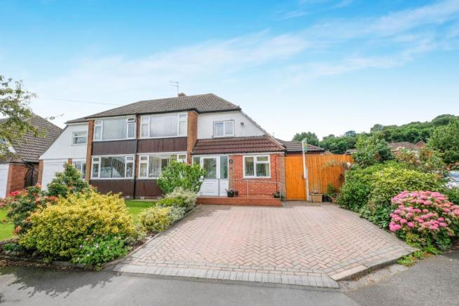 4 bedroom semi detached house for sale in shenley avenue
