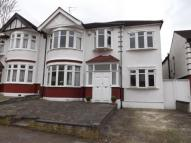 5 bed semi detached house for sale in Worcester Gardens...