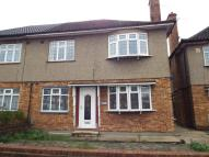 2 bed Maisonette in Eastern Avenue, Ilford...