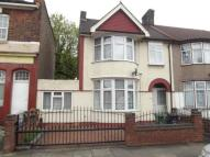 3 bed End of Terrace property in Cecil Avenue, Barking...