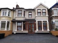 7 bed Terraced home in Courtland Avenue, Ilford