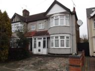 4 bedroom End of Terrace property in Headley Drive, Gants Hill