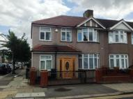 4 bedroom End of Terrace house for sale in New North Road, Hainault