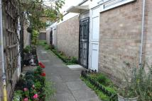 3 bedroom Bungalow in Tomswood Hill, Ilford