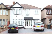4 bed End of Terrace property for sale in Beechwood Gardens...