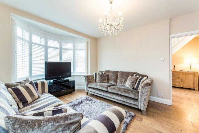 Lounge /bedroom