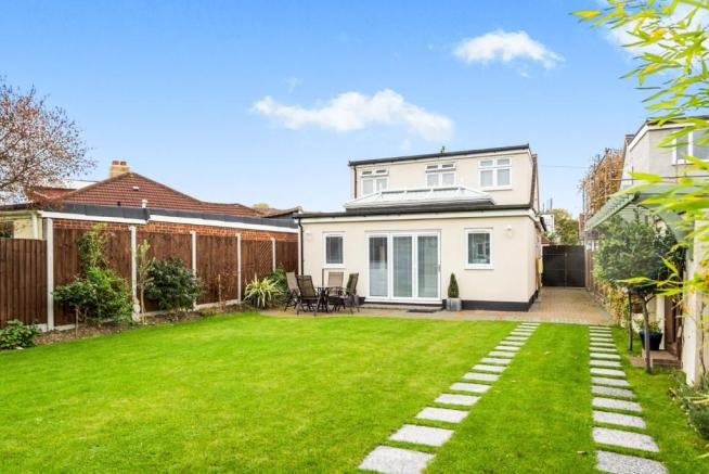 House For Sale Heather Drive Rise Park Romford Essex
