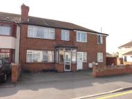 3 bed home in Elm Park Avenue...