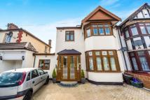 5 bedroom semi detached house in South Park Drive...