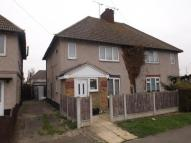 3 bedroom semi detached house in Spencer Walk, Tilbury...