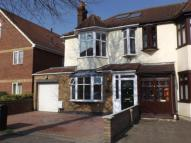 3 bed semi detached property in Mawney Road, Romford