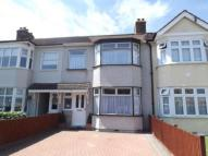 3 bed Terraced property for sale in Sunnings Lane, Upminster