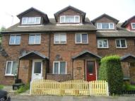 2 bed Maisonette in Amanda Close, Chigwell...