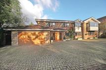 4 bedroom Detached house for sale in Cuffley, Potters Bar...
