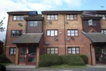 1 bedroom Flat in Armstrong Close, Dagenham