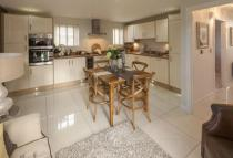 4 bed new property in Sandlands Way...