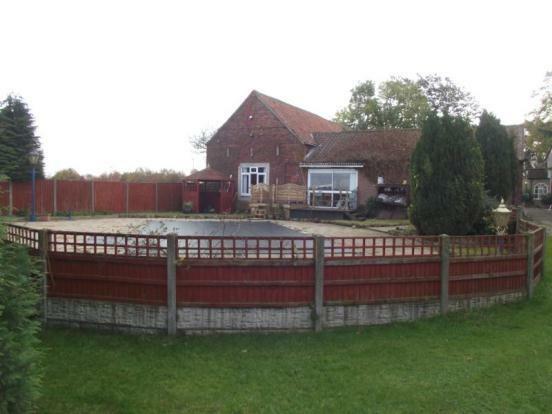 Barn / Swim Pool