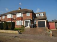 4 bed semi detached house in Hillview Road...