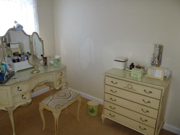 Bedroom four/Dressin