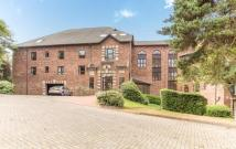 3 bed Flat for sale in Cloister Garth...