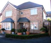 4 bed Detached home in Willowdene, Washington...